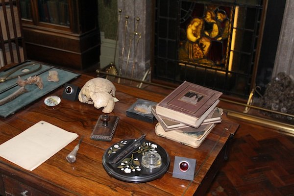 'Tagged' objects for audio pens in Buxton Museum